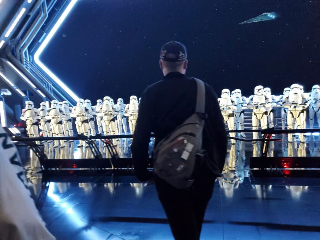rise of the resistance walking into the storm trooper room