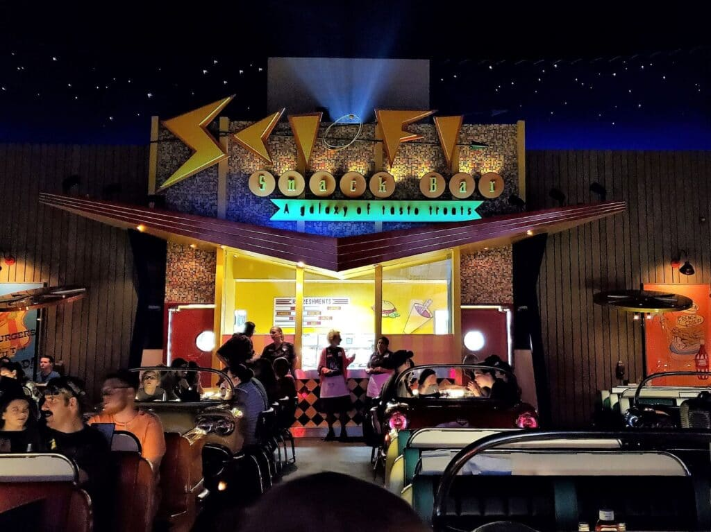 sci-fi dine-in theater restaurant at hollywood studios